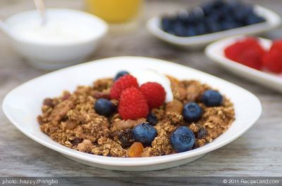Applesauce granola with Fresh Berries and Yoghurt