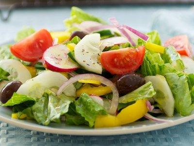 Classic Mediterranean Salad