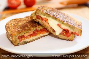 Basil Pesto Caprese Grilled Cheese Sandwich