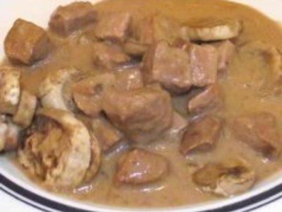 Crockpot Beef in Mushroom Gravy