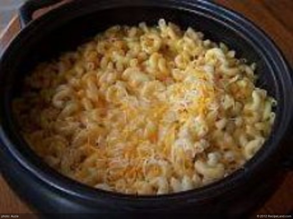 Three Cheese Crockpot Macaroni andCheese