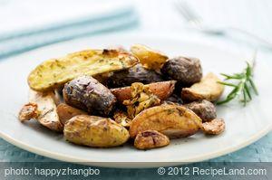 Garlicky Oven Roasted Rosemary Fingerling Potatoes