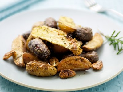 Garlicky Oven Roasted Rosemary Fingerling Potatoes