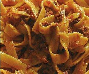 Bolognese sauce: traditional recipe  (Ragù Bolognese)