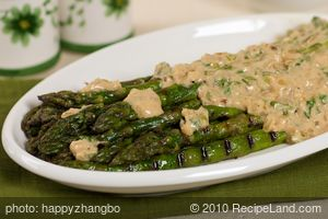 Asparagus Grilled with Curried Yogurt Dressing
