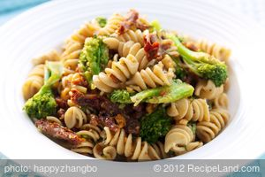 Broccoli and Sun-dried Tomato Pasta Salad with Walnuts