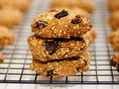 Sesame Tahini Oat Cookies