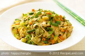 Stir-Fried Veggie with Noodles