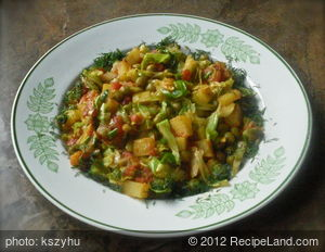 Banda Kopir Tarkari (Vegetables Stir Fried with Spices)