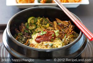 Bibimbap2 (Korean Seasoned Vegetables and Rice with Spicy Sauce)