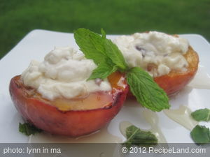 Grilled Peaches with Cream Cheese and Honey