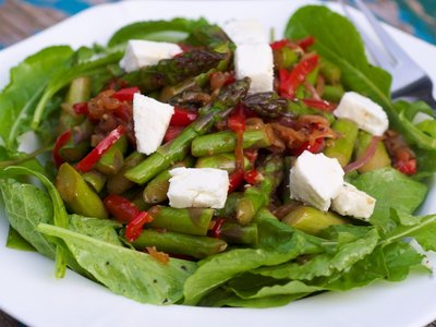Asparagus, Red Bell Pepper and Arugula Salad