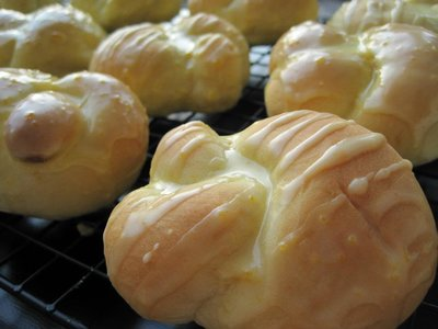 Knotted Orange Yeast Rolls