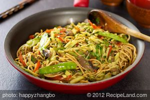 Asian Stir-Fried Spaghetti with Veggies