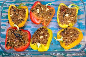 Quinoa, Spinach and Hazelnuts Stuffed Peppers