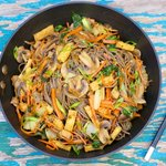 Chinese Stir-Fried Noodles with Veggies
