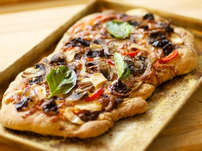 Sun-Dried Tomato, Olive and Basil Pesto Flatbread