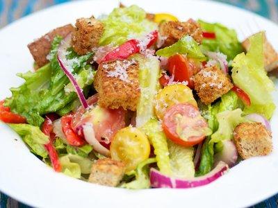 Mixed Salad with Parmesan Croutons