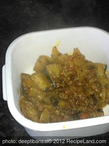 Rajasthani Aloo Baingan (Potato and Eggplant)