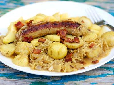 Octoberfest Bratwurst and Sauerkraut Skillet Dinner