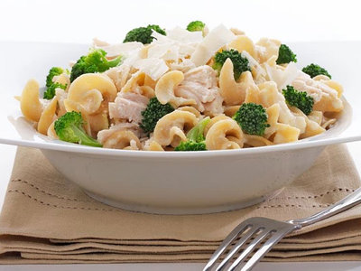 1-Pot Noodles with Chicken & Broccoli