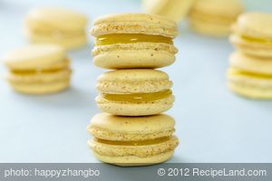 Lemon Meringue Pie Macarons