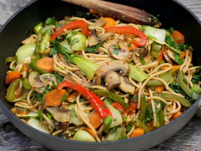 Chinese Stir-Fried Bok Choy with Spaghetti