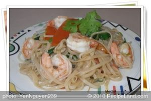 Stir-fry Shrimp, Vegetables with Noodles