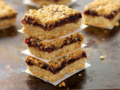 Oatmeal Raspberry Bar Cookies