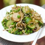 Tangy Cucumber and Mung Bean Sprout Salad