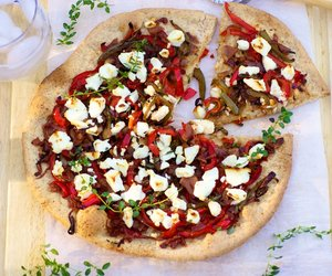 Boboli Pizza with Garlic, Peppers and Goat Cheese