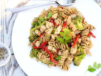 Chicken and Pasta With Creamy Walnut Sauce