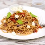 Pasta with Olives and Sun-Dried Tomatoes