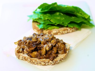 Sauteed Mushrooms and Lettuce Sandwich
