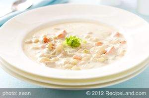 Delicious New England Clam Chowder