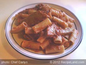 Rigatoni Pasta Served With Homemade Seitan