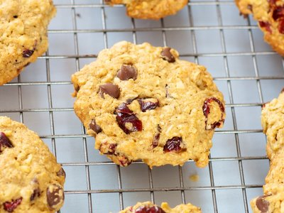 Oatmeal Cranberry, Walnuts and Chocolate Chip Cookies