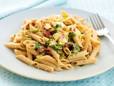 Mediterranean Pasta Salad with Sun-dried Tomato and Artichoke Hearts