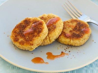Cheddar Salmon Cakes