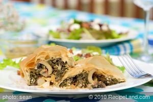 Spinach, Mushroom and Red Pepper Strudel