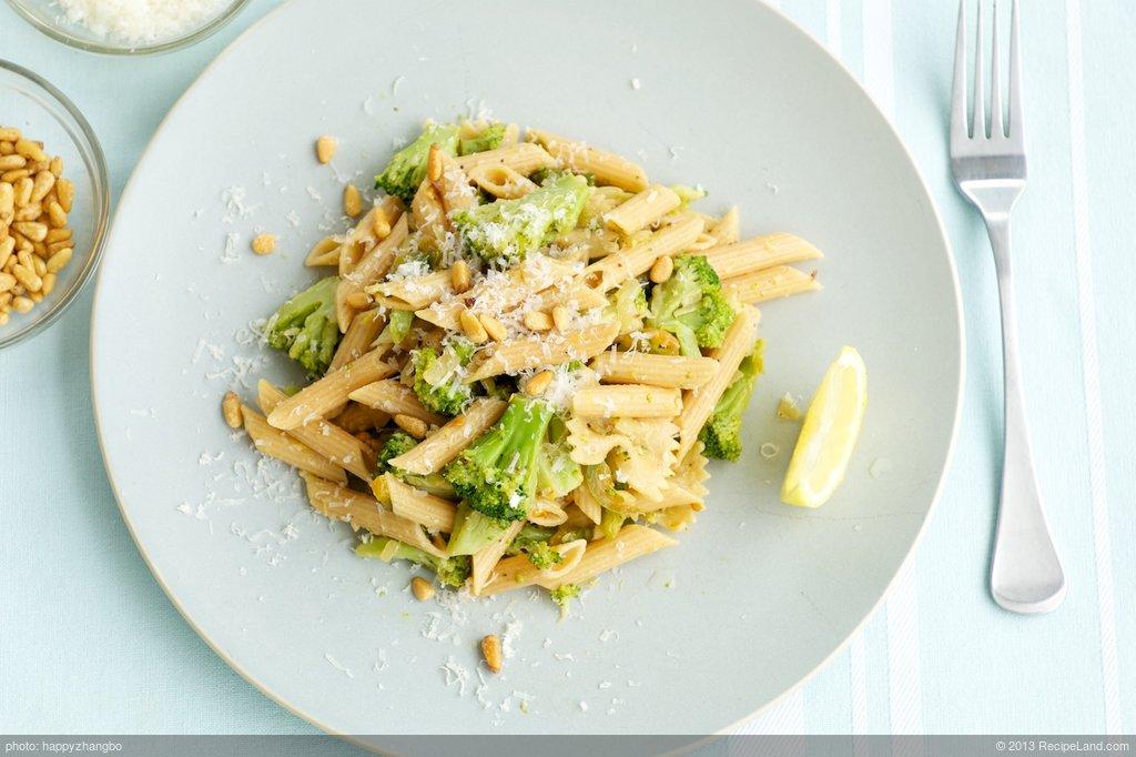 Broccoli Pasta with Lemony-Garlicky Dressing