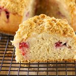 Fresh Apple and Strawberry Crumble Cake