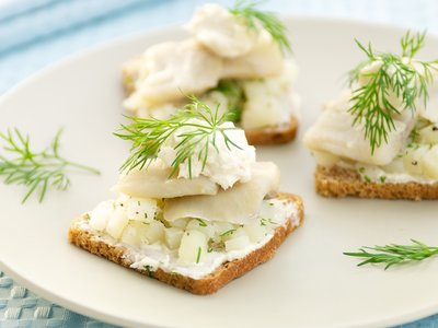 Herring Canapés with Horseradish Cream