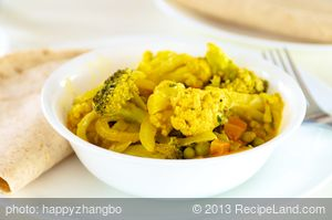 Steamed Vegetable Curry with Sauce
