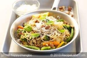 Spaghetti with Vegetables and Toasted Almonds