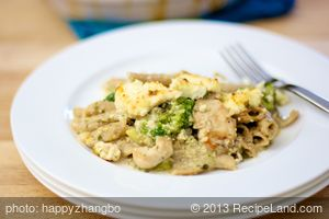 Ricotta Chicken, Noodle and Broccoli Casserole