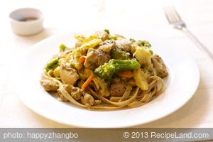 Chicken Pesto Vegetable Stir-Fry with Fettuccine