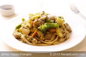 Chicken Pesto Vegetable Stir-Fry with Fettuccine
