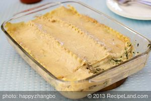 Cheesy Spinach and Mushroom Lasagna