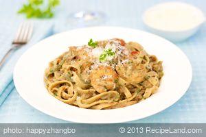 Fettuccine with Shrimp And Cream Sauce